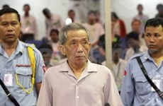 Khmer Rouge jail chief requests acquittal