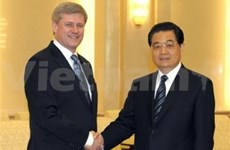 China boosts relations with Canada