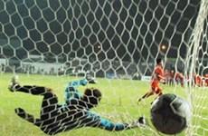 Vietnamese girls crowned by penalty kicks