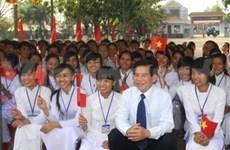 President commends Phuoc Long town on achievements