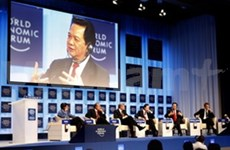 PM Dung attends WEF session on global governance