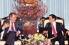 Party official receives Russian communist party delegation