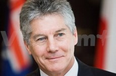 Australian minister believes in bolstered relations with VN