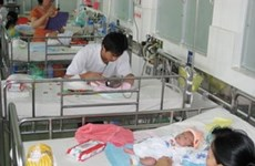 World child mortality falls by 60 percent