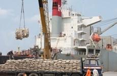 Vietnam, Laos promote trade relations