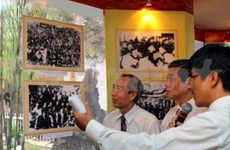 Late President Nguyen Huu Tho's birthday marked