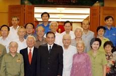 Party leader praises heroic young volunteers