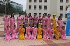 Students bring Vietnamese culture to the world
