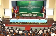 ASEAN ministers vow to boost energy cooperation