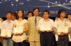 Over 200 students receive Vallet scholarships