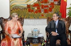 Deputy PM receives Chief of UNESCO in Hanoi