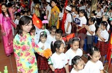 PM attends school year opening ceremony in Can Tho