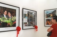 """Golden Moment"" media photo exhibition opens"