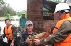 Laos donates 100,000 USD to VN's flood victims