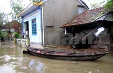 Aftermath of floods overwhelms local leaders