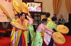 Overseas Vietnamese welcome Lunar New Year