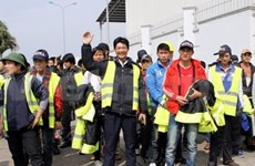 Workers helped to urgently get out of Libya