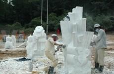 Int'l sculpture creativity comes to Ninh Thuan