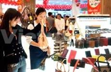 Sales slump at luxury malls