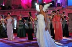 Vietnamese model wins best Asian title