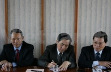 Vietnamese, French communist parties step up cooperation