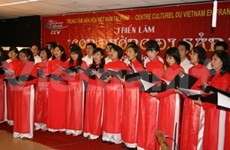 VN participates in foreign cultures week in France
