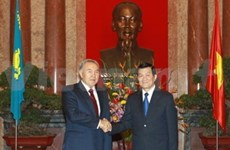 Vietnamese, Kazakh presidents hold talks