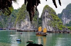 Grand Duke of Luxembourg votes for Ha Long Bay