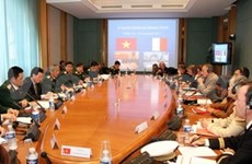 Vietnam, France agree to boost defence cooperation