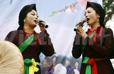 """""""Quan ho"""" folk songs brought to France"""