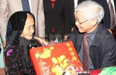 Party, State leaders pay Tet visits