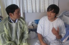 Vietnamese crewmen recover from injuries in accident