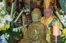 Jade Buddha statue placed in Paris pagoda
