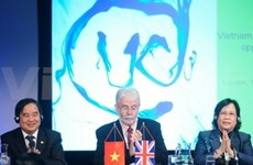 VN attends education conference in London