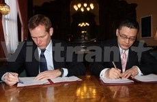 Vietnam, UK sign 2012 Action Plan