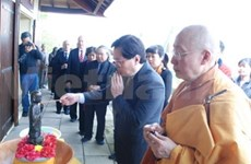 Buddha's birthday celebrated in Paris