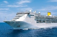 Luxury cruise ship brings more tourists to VN