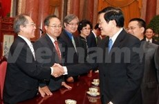 President receives RoK friendship delegation