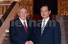 Cuban leader's visit lifts up ties with VN