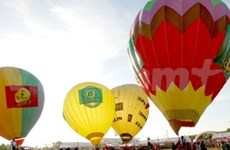 Hot Air balloons take to Binh Thuan's skies