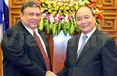 Vietnam strengthens ties with Cuba