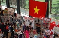 Vietnam takes part in 2012 Bazaar in Geneva