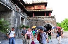 Over 10 mln tourists visit northern central provinces in 2012
