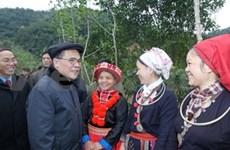 NA Chairman meets Bac Kan ethnic minority voters