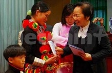 Vice President presents Tet gifts in Lai Chau province