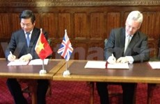 Vietnam, UK sign MoU on PPP cooperation