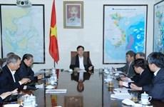 PM, experts discuss socio-economic development
