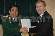 Vietnam, New Zealand agree to lift defence ties