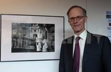 Photo exhibition captures post-wartime Hanoi