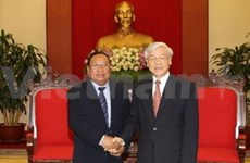Lao Front vows to cultivate ties with Vietnam